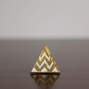 House of Harlow 1960 Triangle Cocktail Ring